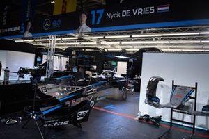 Mercedes Benz EQ, EQ Silver Arrow 02 garage