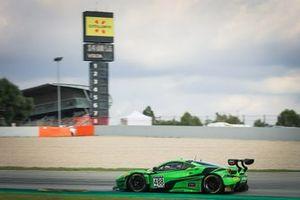#488 Rinaldi Racing Ferrari 488 GT3: Jeroen Bleekemolen, Christian Hook, Manuel Lauck