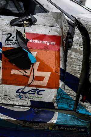 #56 Team Project 1 Porsche 911 RSR - 19 LMGTE Am, Egidio Perfetti, Matteo Cairoli, Riccardo Pera, damage detail