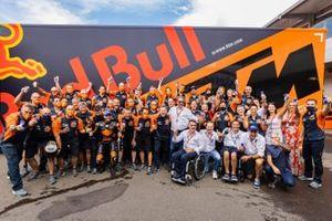 Race winner Brad Binder, Red Bull KTM Factory Racing with team members