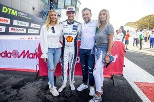 Marco Wittmann, Walkenhorst Motorsport met ouders en vriendin