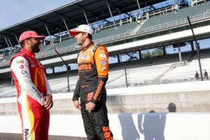 Chase Elliott, Hendrick Motorsports, Chevrolet Camaro Hooters, Bubba Wallace, 23XI Racing, Toyota Camry McDonald's