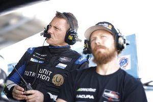 Des membres de l'équipe de #66: Gradient Racing Acura NSX GT3, GTD: Till Bechtolsheimer, Marc Miller