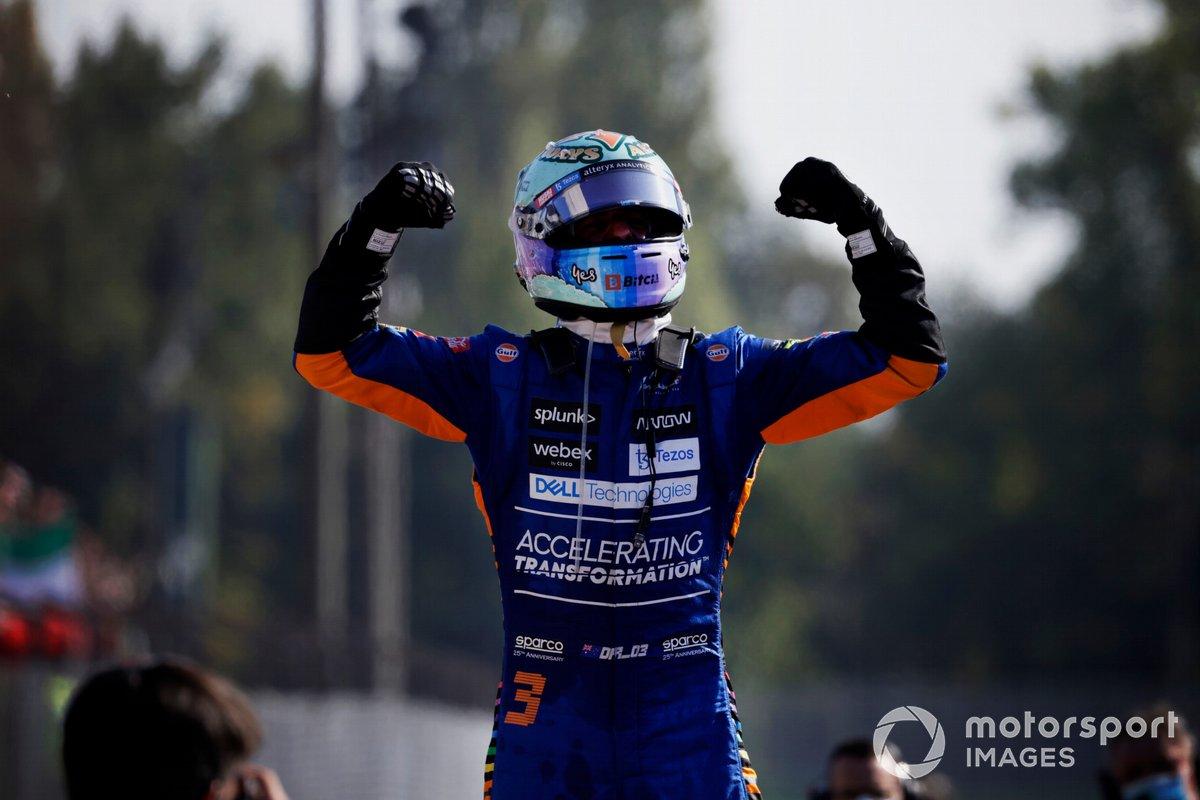 Ganador Daniel Ricciardo, McLaren, celebra en Parc Ferme