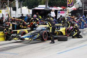 Colton Herta, Andretti Autosport w/ Curb-Agajanian Honda, pit stop