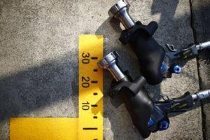 Wheel guns in the pit lane