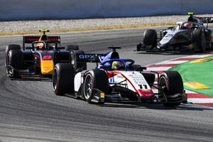 Louis Deletraz, CHAROUZ RACING SYSTEM, leads Jehan Daruvala, Carlin, and Luca Ghiotto, HITECH GRAND PRIX