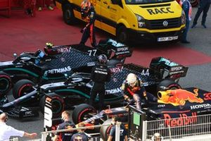 Pole man Lewis Hamilton, Mercedes-AMG Petronas F1, and Max Verstappen, Red Bull Racing, in Parc Ferme after Qualifying