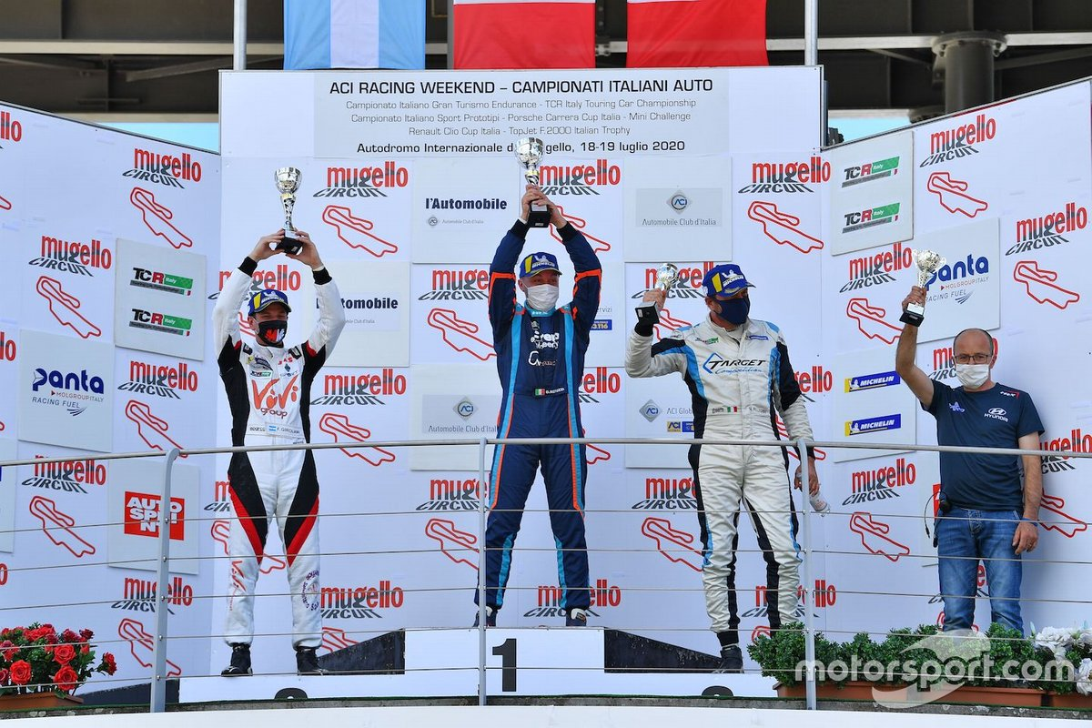 Podio: Il vincitore Damiano Reduzzi, Trico WRT, secondo posto Franco Girolami, MM Motorsport, terzo posto Marco Pellegrini, Target Competition