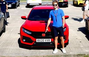 Pierre Gasly, AlphaTauris at the track in his Honda Civic Type R