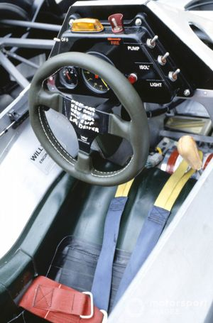 Volante del monoplaza de Williams FW08C-Ford Cosworth