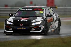 Henry Neal, Halfords Yuasa Racing Honda Civic Type R