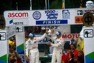 Les vainqueurs Juha Kankkunen et Denis Giraudet, Toyota Celica Turbo 4WD