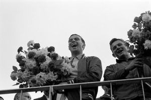 Race winner Jim Clark, Lotus 25-Climax