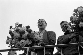Race winner Jim Clark, Lotus 25-Climax