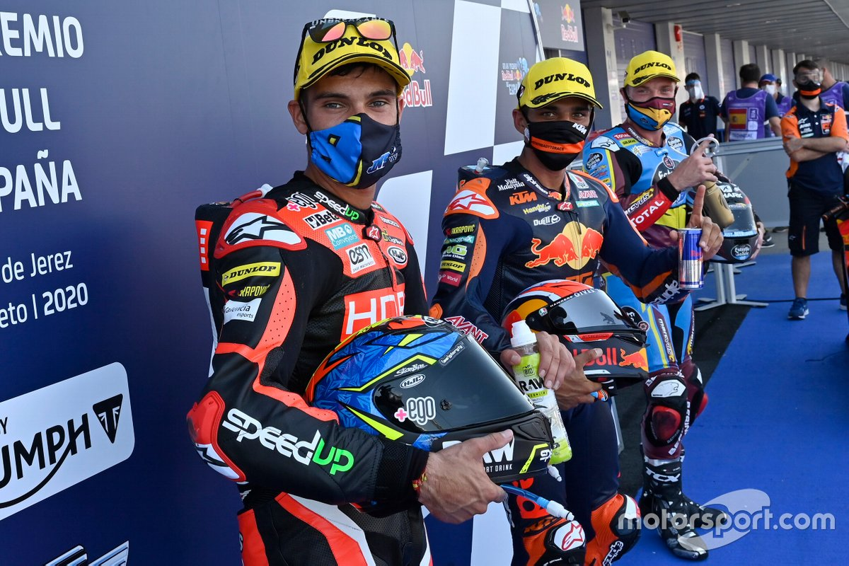 Ganador de la pole Jorge Martin, Red Bull KTM Ajo, segundo Jorge Navarro, Speed Up Racing, tercero Sam Lowes, Marc VDS Racing