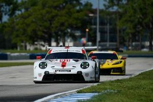 #911 Porsche GT Team Porsche 911 RSR - 19, GTLM: Nick Tandy, Fred Makowiecki, #3 Corvette Racing Corvette C8.R, GTLM: Antonio Garcia, Jordan Taylor