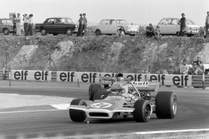 Francois Mazet, March 701 Ford, Francois Cevert, Tyrrell 002 Ford