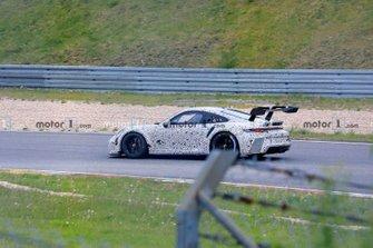 Porsche 911 GT3 Cup spy photo