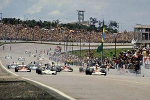 Start zum GP Brasilien 1974 in Sao Paulo: Carlos Reutemann, Brabham BT44, führt