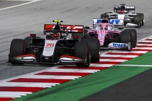 Kevin Magnussen, Haas VF-20 y Sergio Pérez, Racing Point RP20