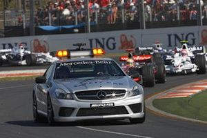 The safety car leads Lewis Hamilton, McLaren MP4-23 Mercedes, Robert Kubica, BMW Sauber F1.08