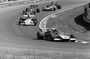 Jacky Ickx, Ferrari 312B2, Mike Beuttler, March 721G Ford y Emerson Fittipaldi, Lotus 72D Ford