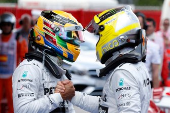 Nico Rosberg, Mercedes AMG, and Lewis Hamilton, Mercedes AMG, celebrate the front row