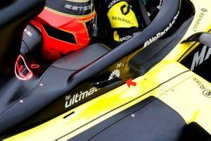 Закрылок на автомобиле Renault F1 Team R.S.20