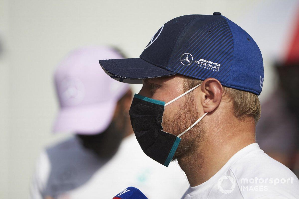 Valtteri Bottas, Mercedes-AMG Petronas F1 speaks to the media
