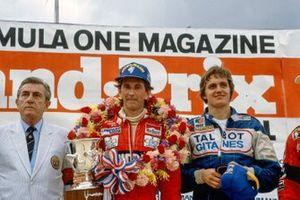 1. John Watson, McLaren, 2. Eddie Cheever, Ligier, mit Jean-Marie Balestre