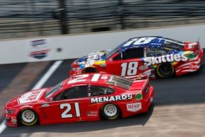 Matt DiBenedetto, Wood Brothers Racing, Ford Mustang RED KAP/Menards, Kyle Busch, Joe Gibbs Racing, Toyota Camry Skittles Red White & Blue