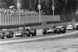 Ignazio Giunti, Ferrari 312B leads François Cevert, March 701 Ford and Jean-Pierre Beltoise, Matra MS120
