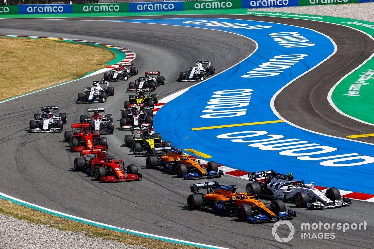 Arrancada Carlos Sainz Jr., McLaren MCL35, leads Pierre Gasly, AlphaTauri AT01, Lando Norris, McLaren MCL35, Charles Leclerc, Ferrari SF1000, Daniel Ricciardo, Renault F1 Team R.S.20, Sebastian Vettel, Ferrari SF1000