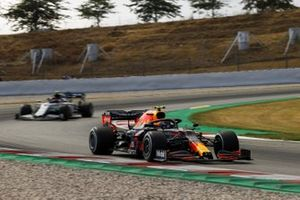 Alex Albon, Red Bull Racing RB16, leads Pierre Gasly, AlphaTauri AT01