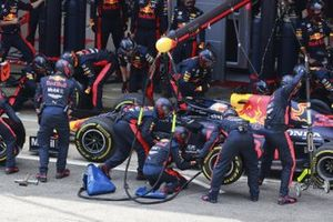 Max Verstappen, Red Bull Racing RB16, in the pits