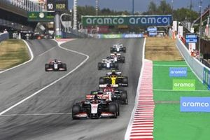 Kevin Magnussen, Haas VF-20, Kimi Raikkonen, Alfa Romeo Racing C39, Esteban Ocon, Renault F1 Team R.S.20