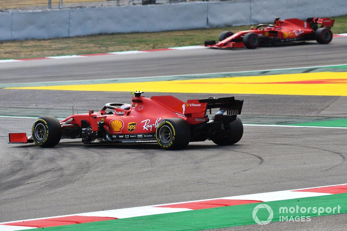 Sebastian Vettel, Ferrari SF1000, detras de Charles Leclerc, Ferrari SF1000 que hace un trompo debido a una falla eléctrica