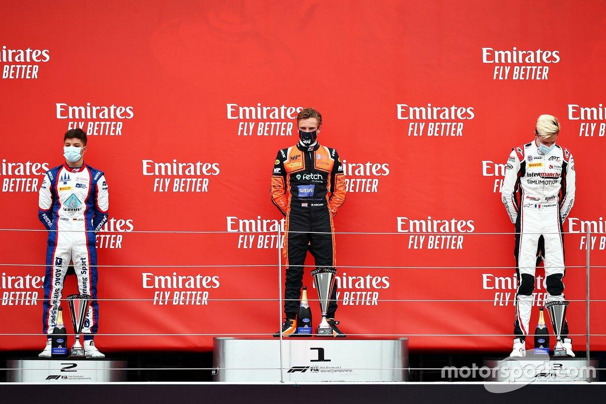 Podio: Bent Viscaal, MP Motorsport, Lirim Zendeli, Trident, Theo Pourchaire, ART Grand Prix