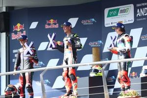 Podium: race winner Dominique Aegerter, Dynavolt Intact GP, second place Jordi Torres, Pons Racing 40, third place Mattia Casadei, Ongetta SIC58 Squadracorse