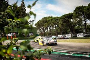 #99 ROWE Racing Porsche 911 GT3-R: Julien Andlauer, Klaus Bachler, Dirk Werner