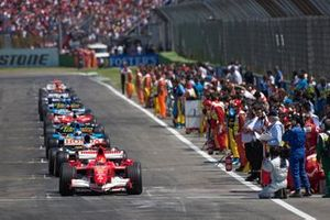 Right side of the grid preparing for the formation lap