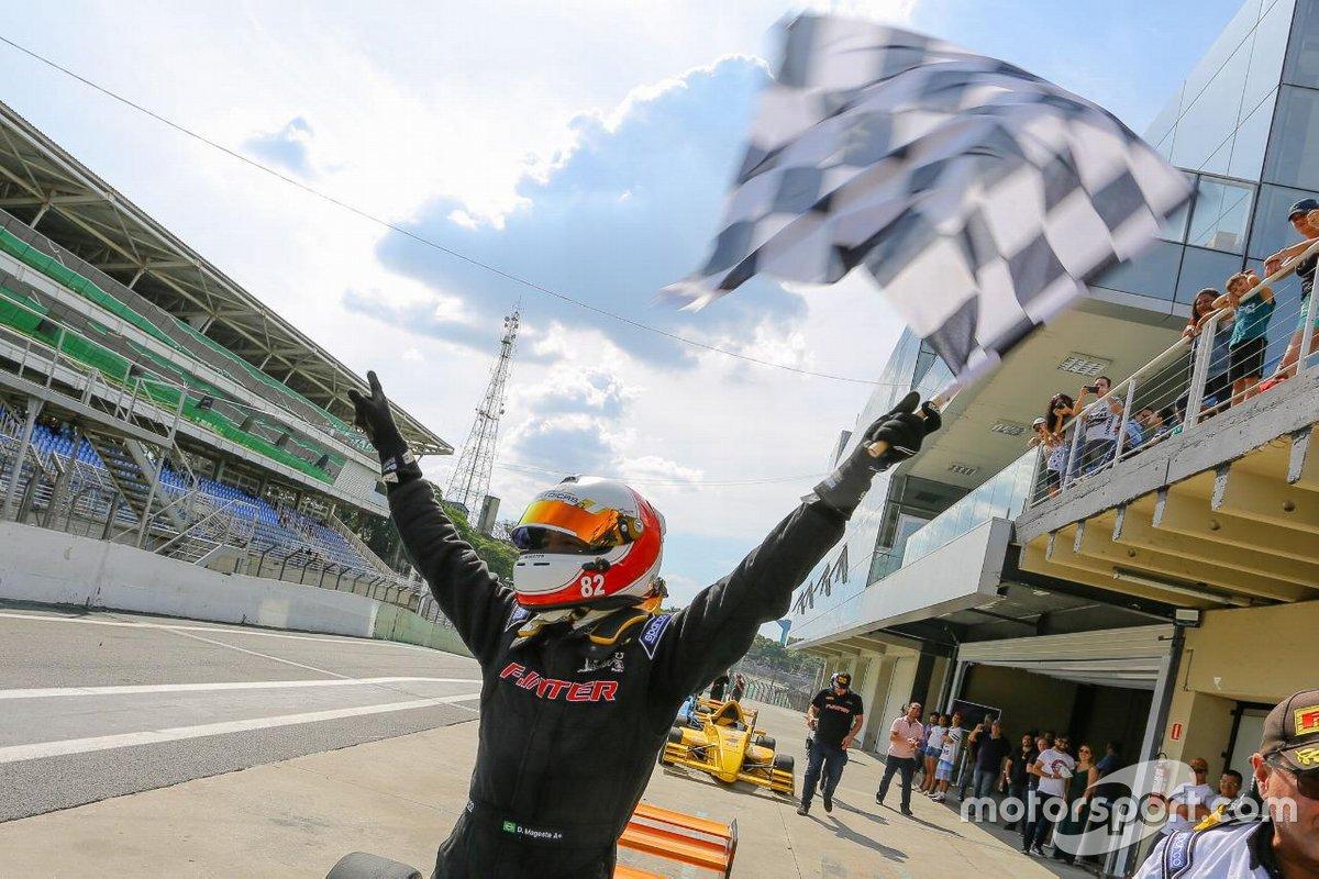 Daniel Mageste festeja vitória
