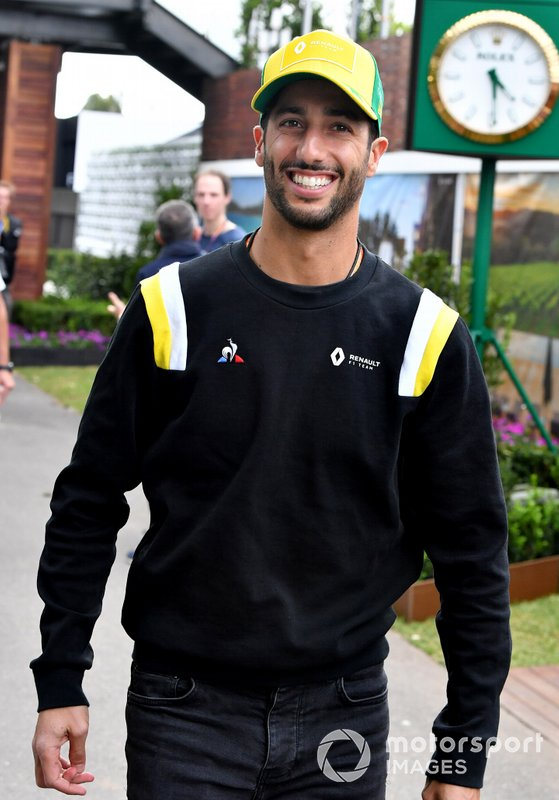 Daniel Ricciardo, Renault F1 Team nel paddock
