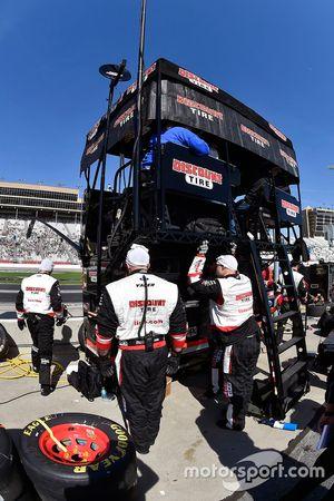 Brad Keselowski, Team Penske Ford pit box