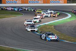 Start zum Rennen #77 Callaway Competition, Corvette C7 GT3-R: Jules Gounon, Daniel Keilwitz führt