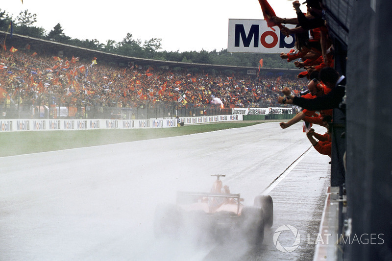 15. Rubens Barrichello, Ferrari: del 18º al 1º en el GP de Alemania 2000