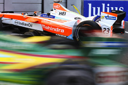 Crash: Nick Heidfeld, Mahindra Racing
