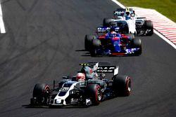 Kevin Magnussen, Haas F1 Team VF-17, Daniil Kvyat, Scuderia Toro Rosso STR12, Lance Stroll, Williams