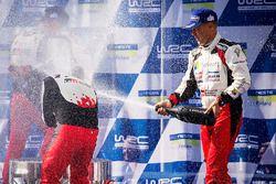 Podio: ganadores Esapekka Lappi, Janne Ferm, Toyota Racing, segundo lugar Elfyn Evans, Daniel Barrit